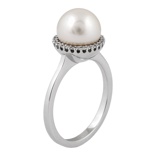 Pearl ring with a halo of Diamonds